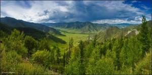 Перевал Чике-Таман расположен на Чуйском тракте
